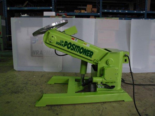 画像1:  山川エンジニアリング製小型3軸ポジショナー(電動油圧式)  (1)